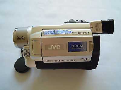 JVC  300x Digital Video Camera Mini DV GR-DVL157E