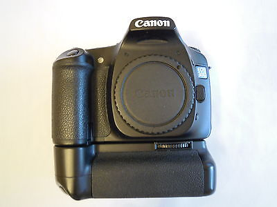 Canon EOS 30D 8.2 MP Digital SLR Camera PLUS BATTERY GRIP, 2 BATTS AND CHARGER